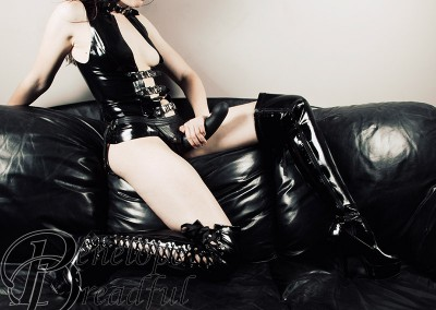 Latex Strapon Dildo OTK Boots
